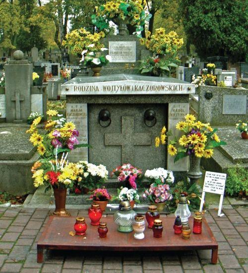 Tomba della famiglia Wojtyła e Kaczorowski al Cimitero Rakowicki